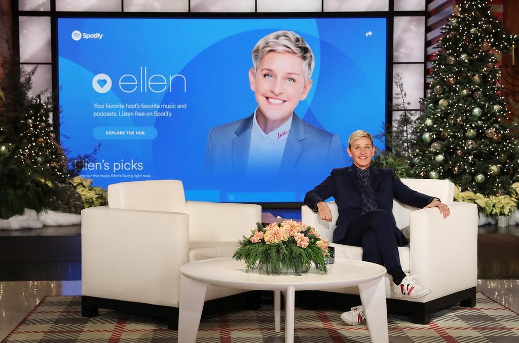 Ellen DeGeneres volta com seu programa, mas agora, gravado em casa